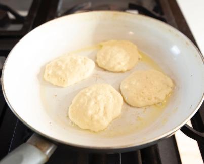 Cooking Hot Pancakes_22
