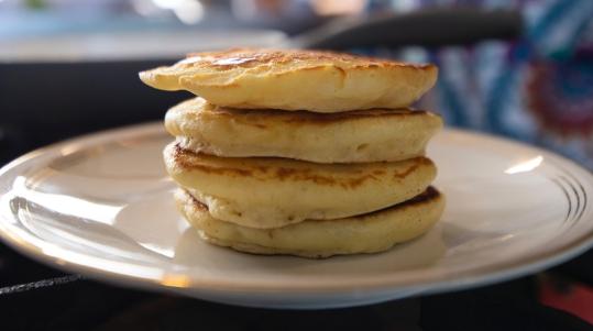 Cooking Hot Pancakes_25